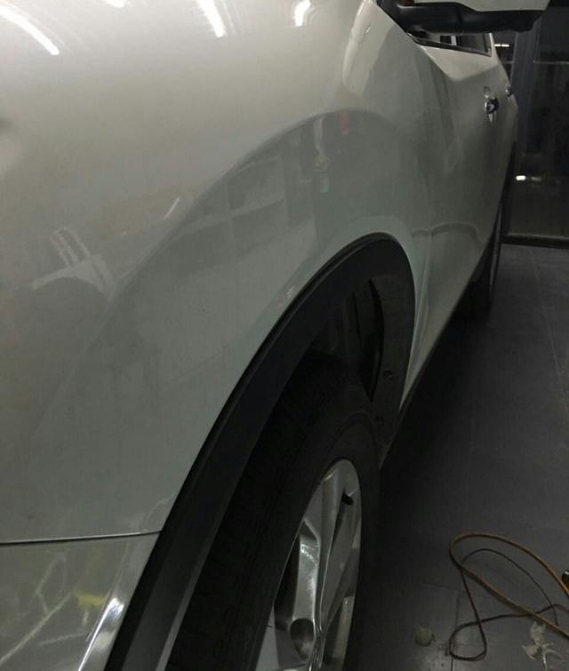 汽车前翼子板凹陷BOBapp体育下载后
