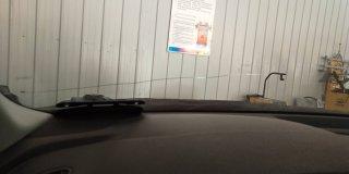 汽车挡风玻璃长条裂纹可以这样修复,有点想不到吧